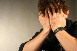 Выделение мочи после мочеиспускания у мужчин и женщин: причины, что делать