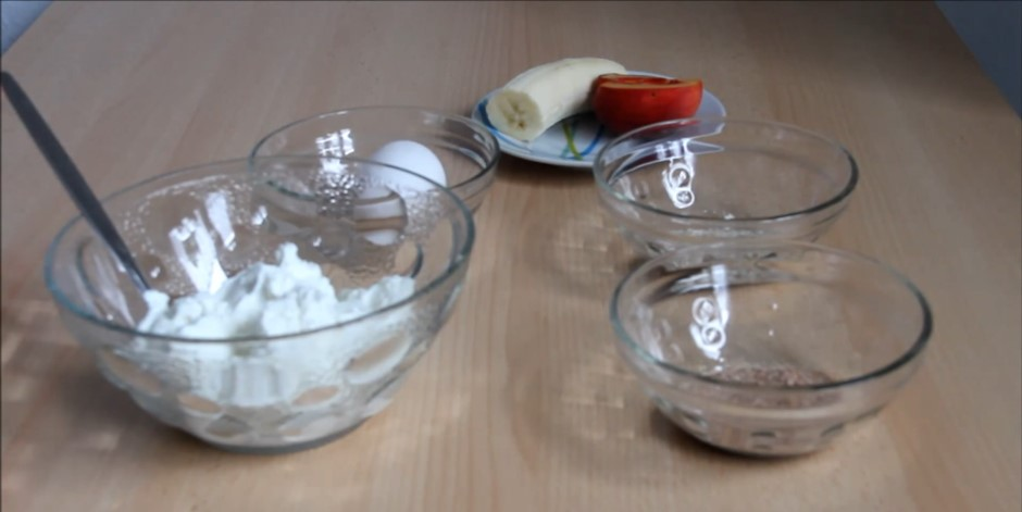 Диетические сырники с фруктовым пюре