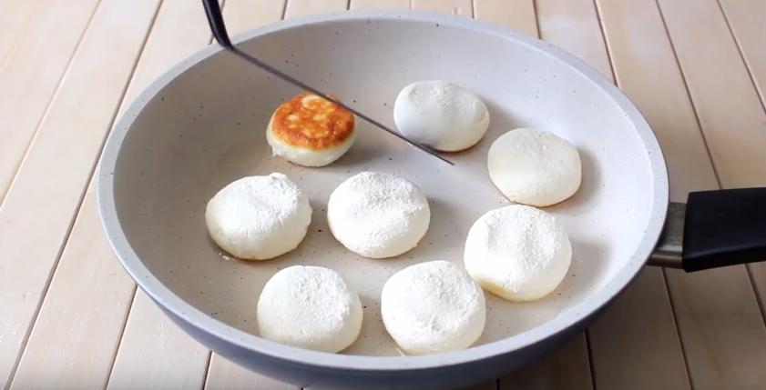 Домашний рецепт сырников на рисовой муке
