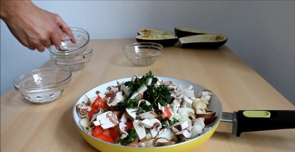 Домашний рецепт диетических фаршированных баклажанов
