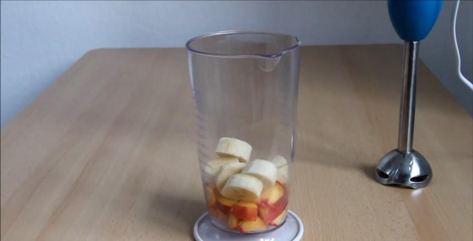 Домашний рецепт диетических сырников с фруктовым пюре