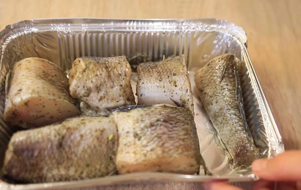 Домашний рецепт запеченной рыбы в фольге